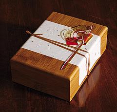 豆腐かすてら「ふくら」の専用竹木箱